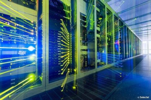 Selectel ввел в эксплуатацию 1100 стоек