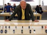 Смартфоны теряют популярность в качестве подарка на 8 марта