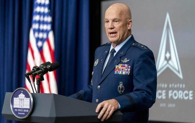 Командующий Космическими силами США заявил об опасениях из-за спутников РФ и КНР